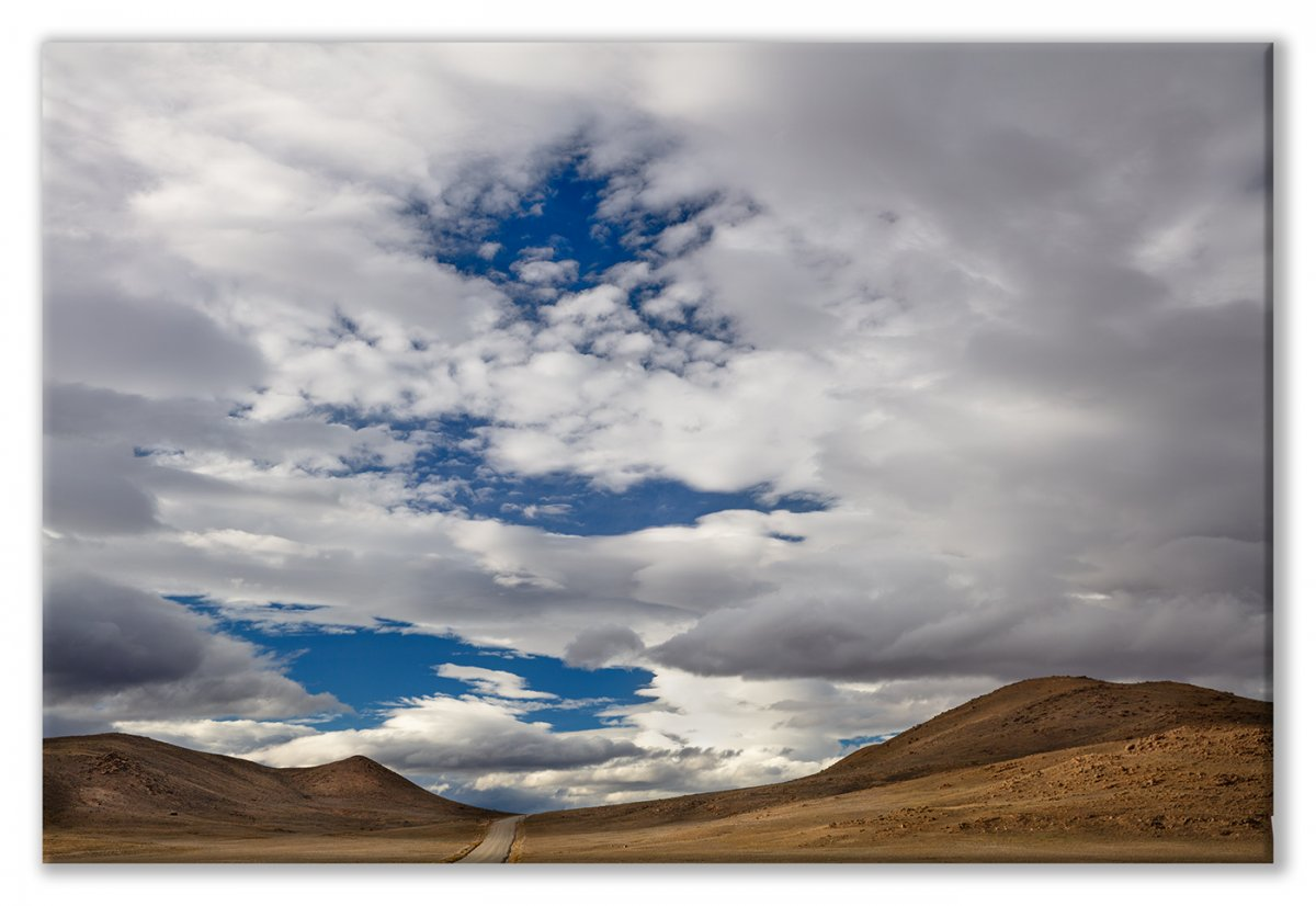 Colorado 18 5Dsr -1368 Hole in the Sky Clouds Display.jpg