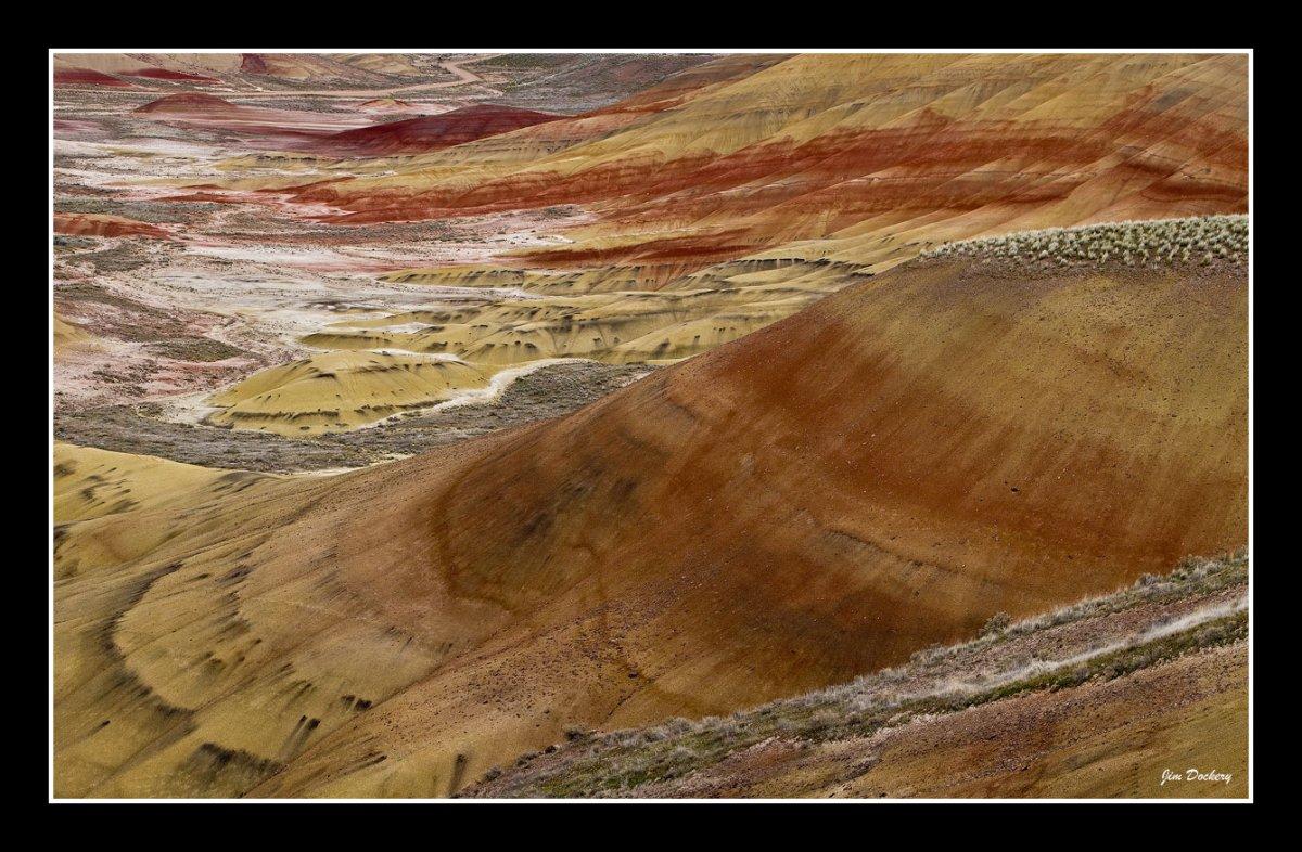 Painted-Hills_Panorama12.jpg
